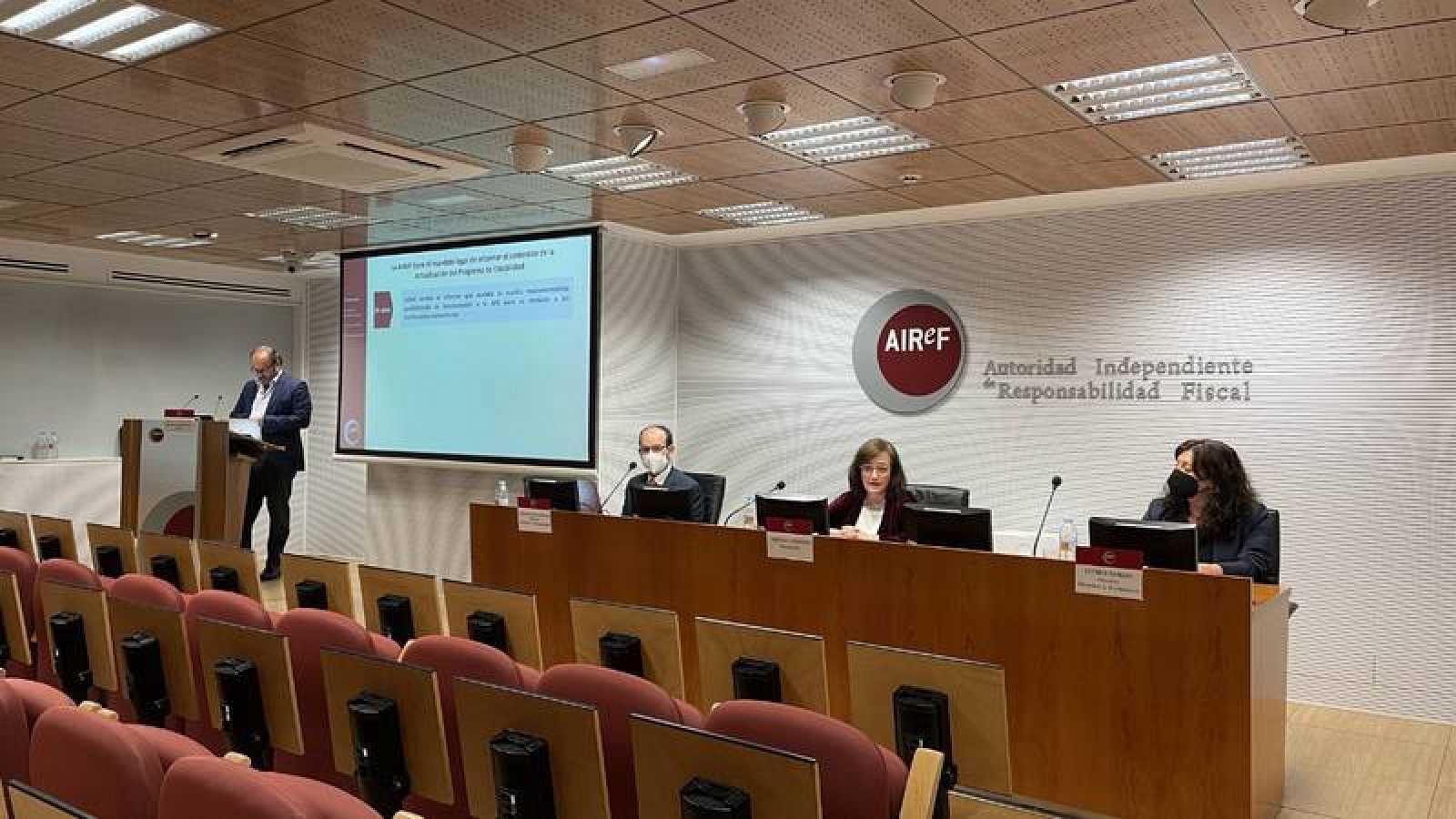 Presentación del informe de la AIReF este martes
