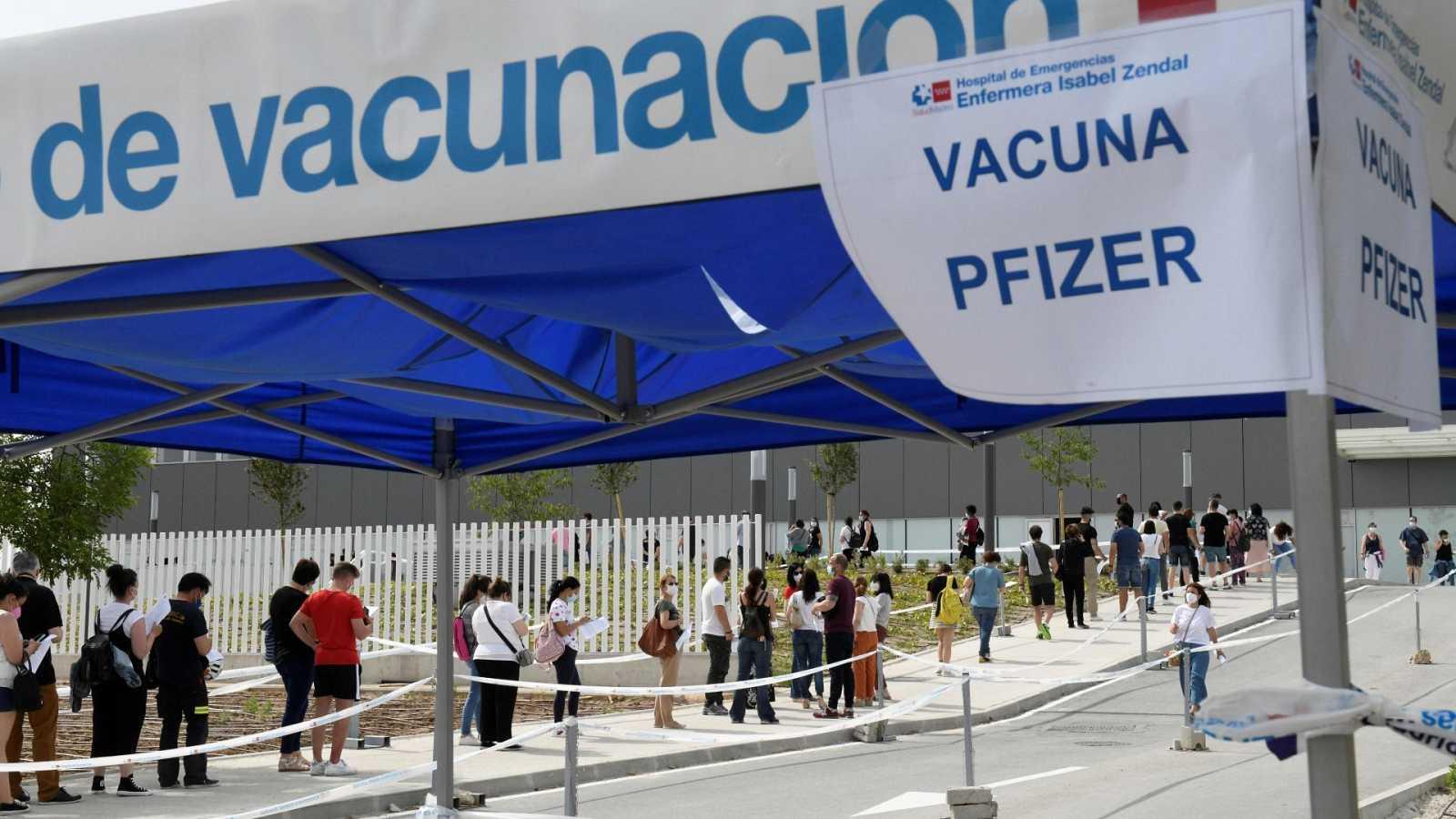 Sanidad plantea compensar con 500? a rezagados que todavía no han recibido vacunas covid.
