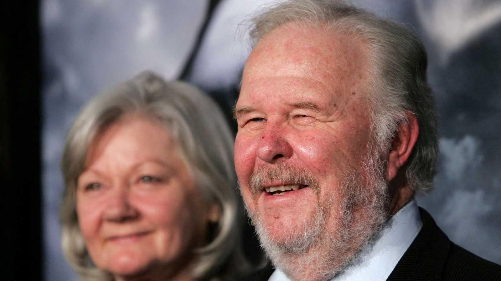 Ned Beatty junto a su esposa, Sandra Johnson, en una foto de archivo