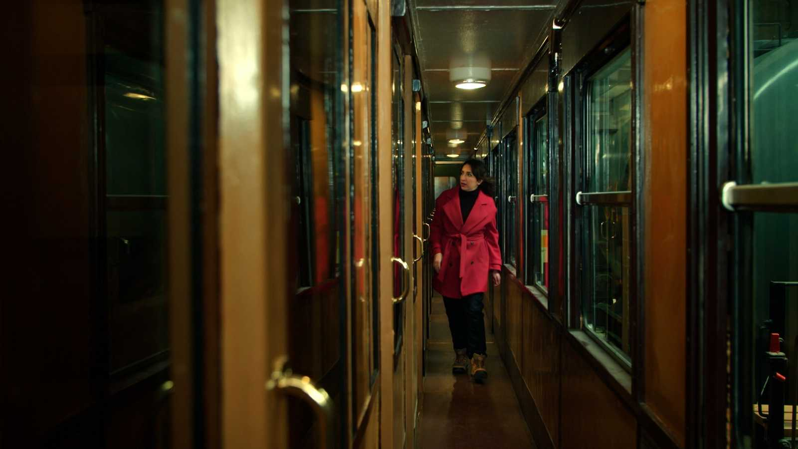 Anna Bertran s'endinsa en el món de trens, avions o cotxes, aquesta setmana al programa 'Perduts en el temps'