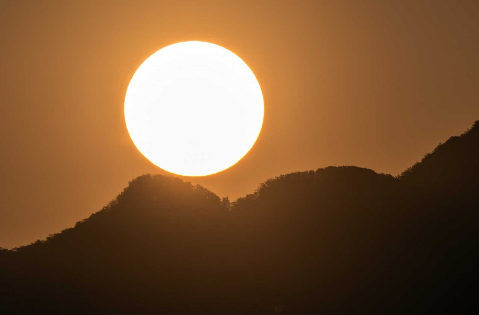 Sortida de Sol a Osona (Carme Molist)