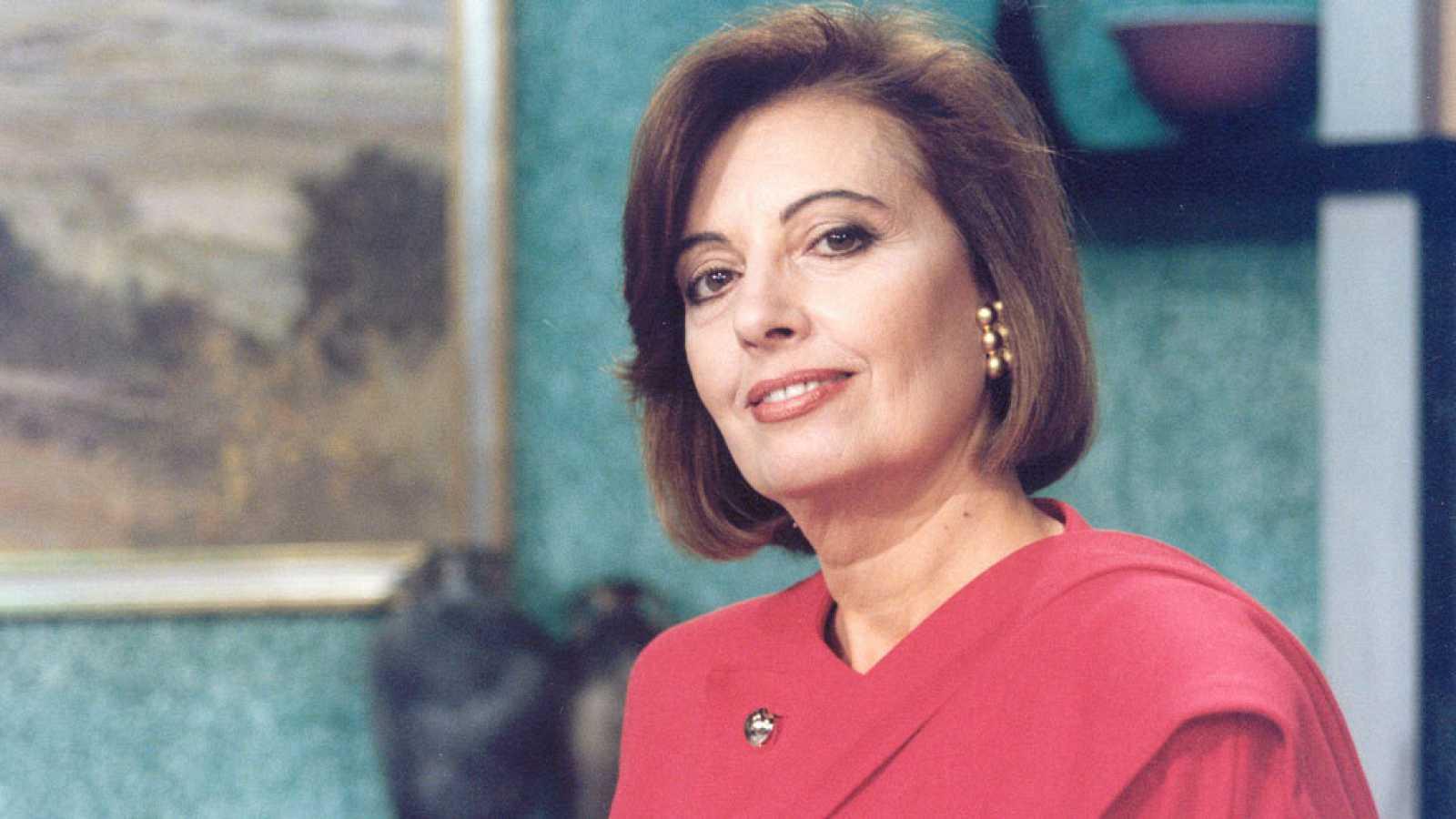 La presentadora María Teresa Campos en un plató televisivo.