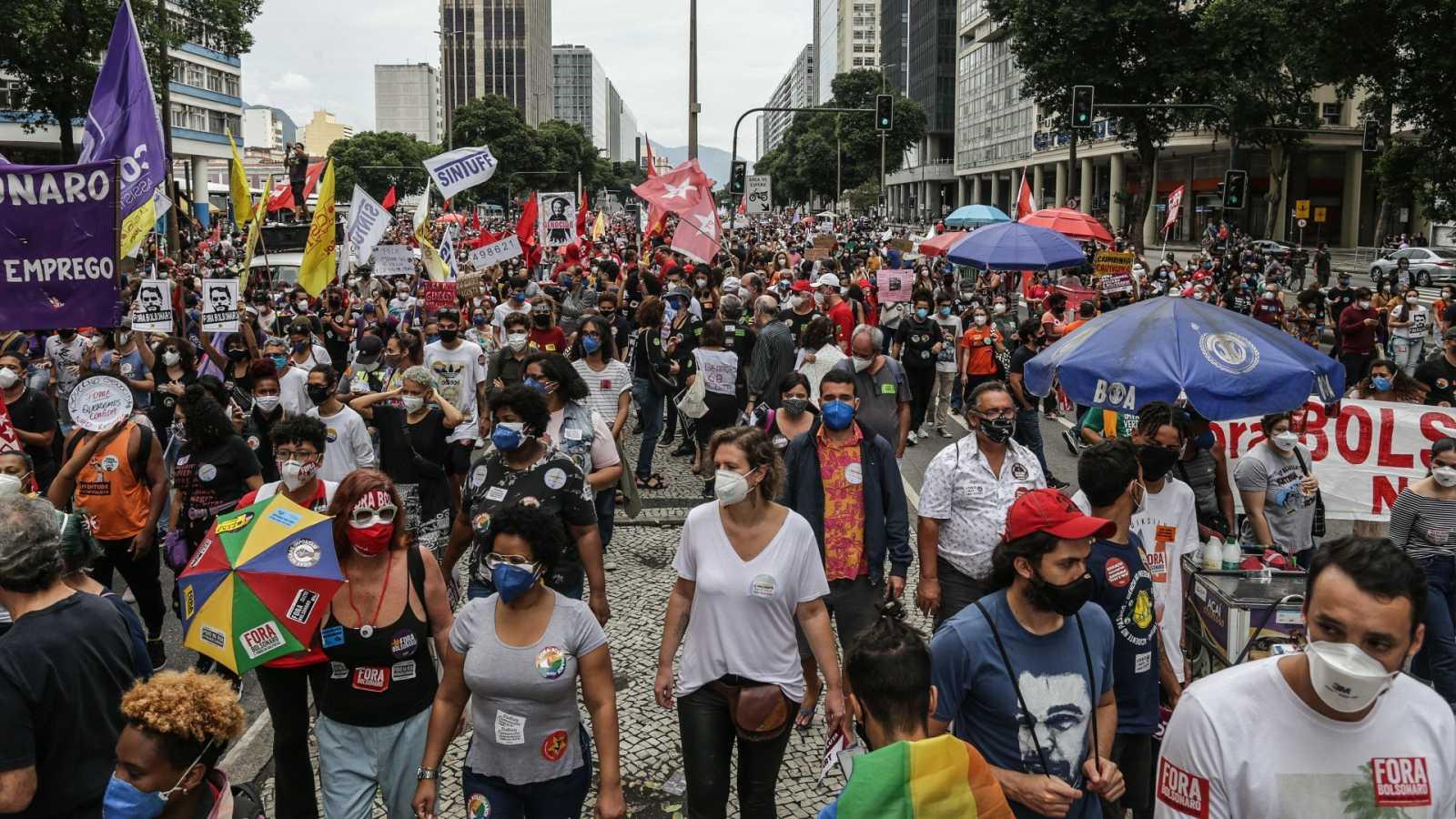 Manifestación contra Bolsonaro en Río de Janeiro