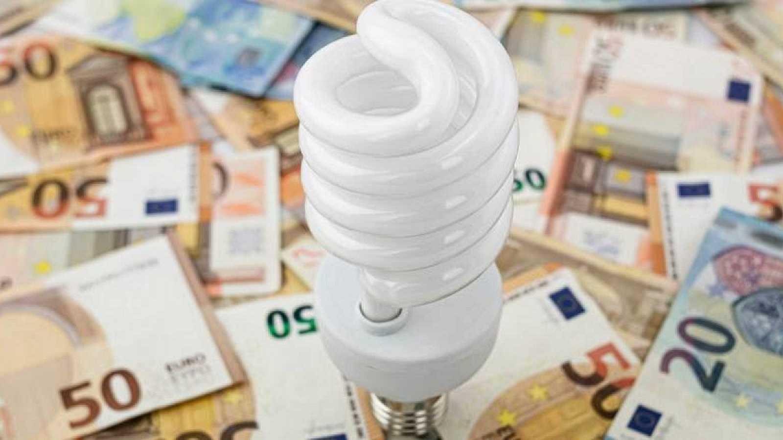 La OCU ha pedido a la CNMC investigar la subida del precio de la luz