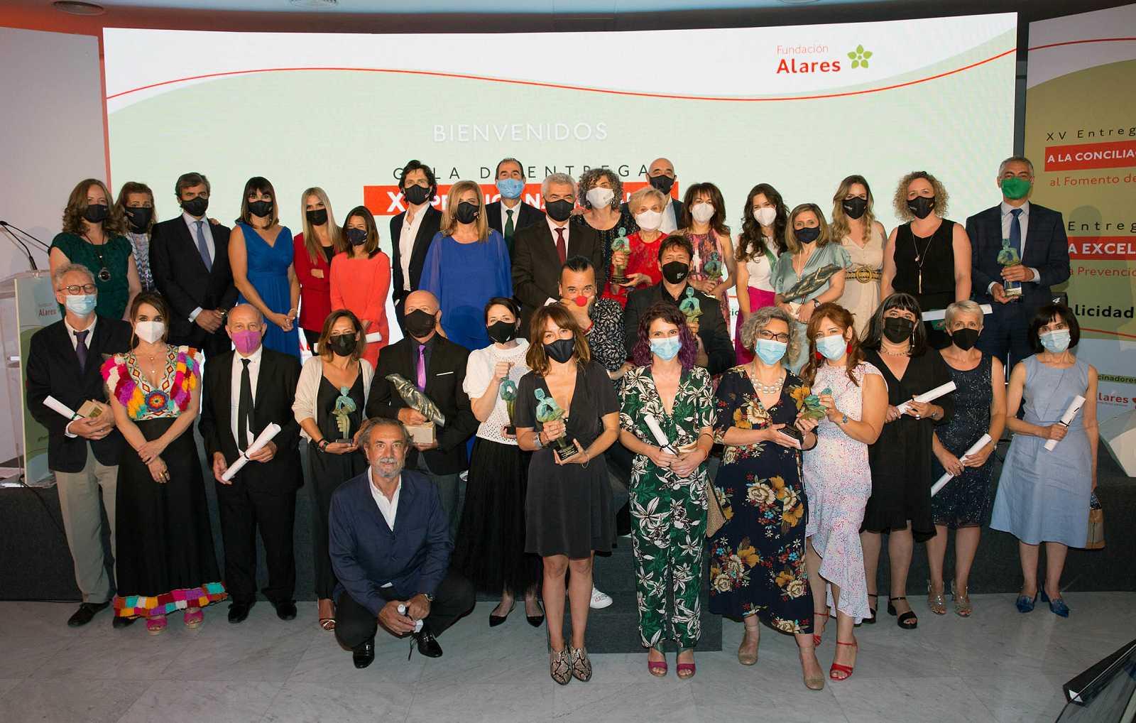 Foto de familia de los Premios Alares