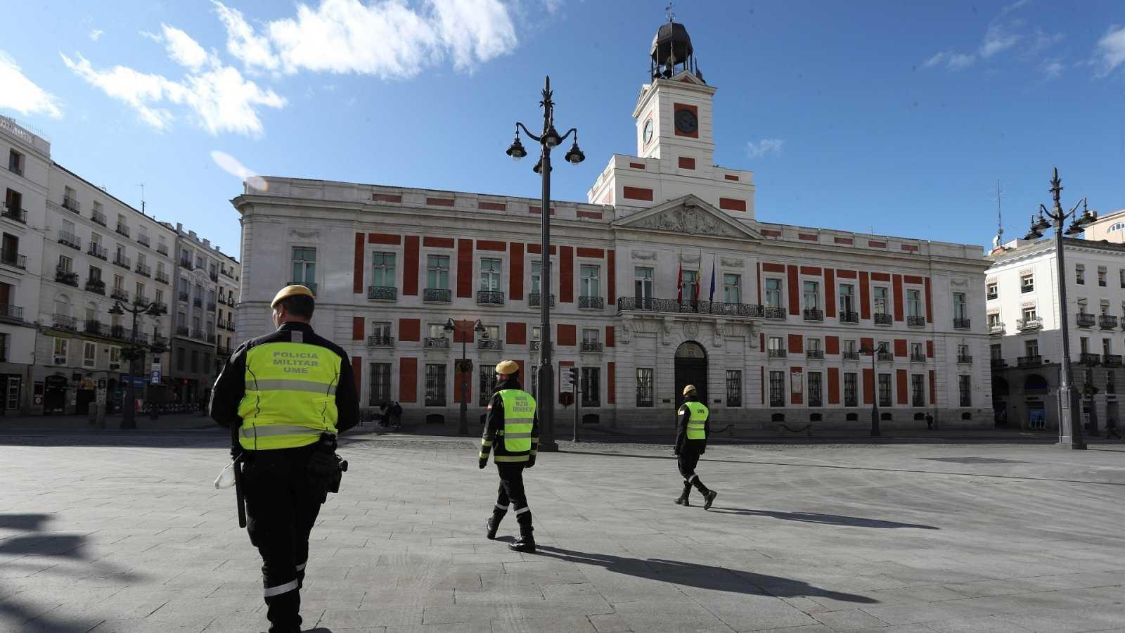 La Puerta del Sol, Madrid, durante los primeros días de confinamiento durante el estado de alarma