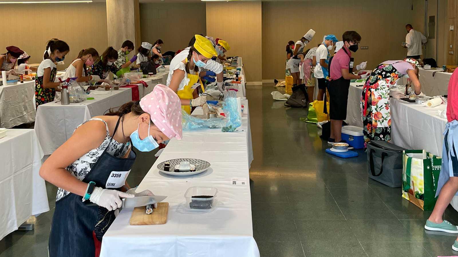 Los pequeños chefs han presentado sus mejores platos para hacerse con una cuchara de madera