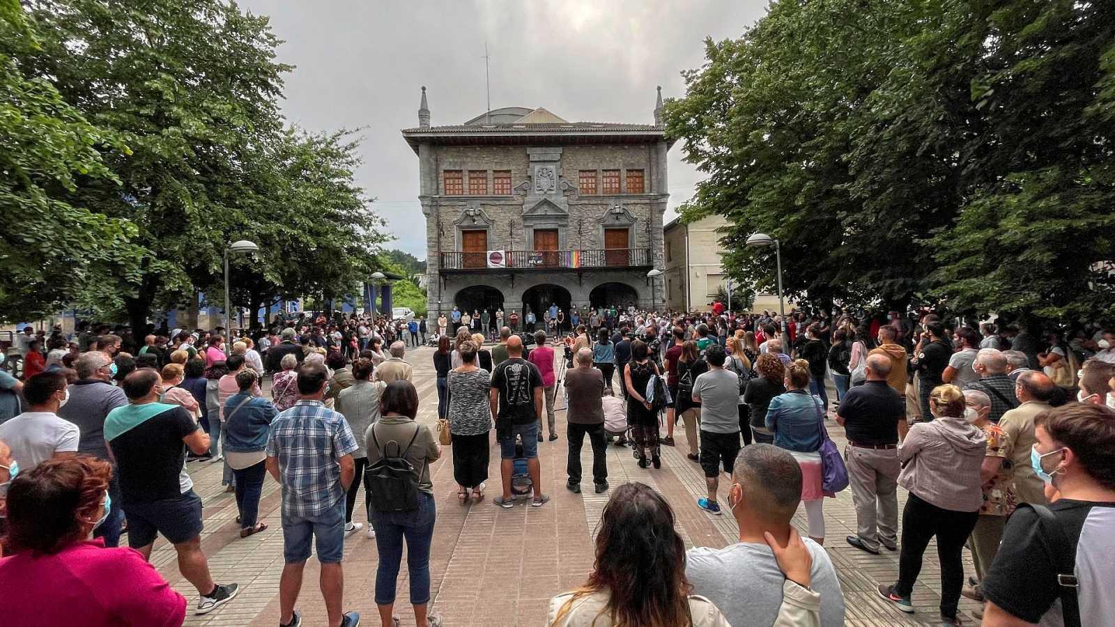 Concentración el pasado jueves enLemoa (Vizcaya) para condenar la agresión