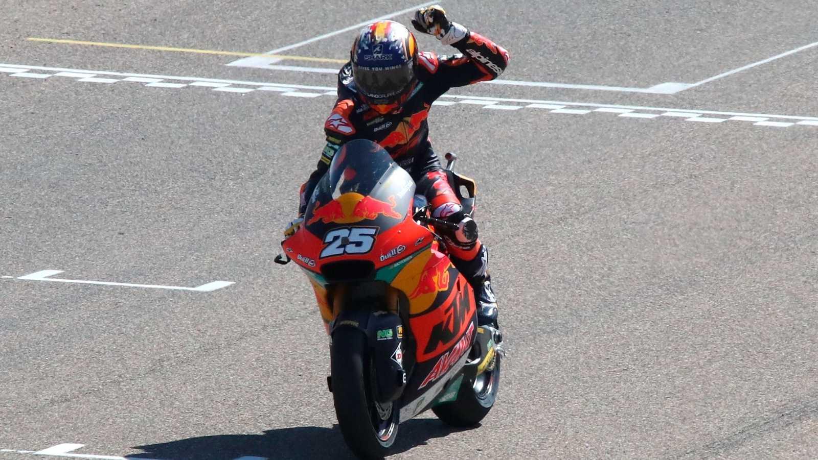 El piloto español Raúl Fernández (Kalex) se adjudica la victoria en la carrera de Moto2 del Gran Premio de Aragón.