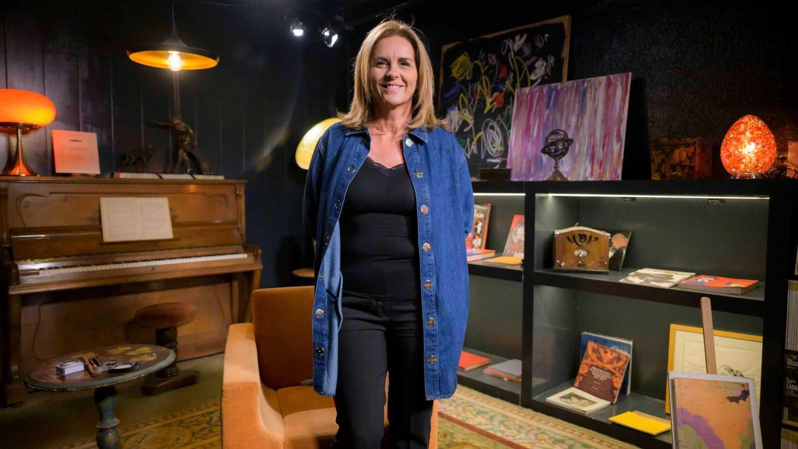 Anna Cler presenta el programa 'Noms propis', tots els dimecres i dissabtes, a La 2