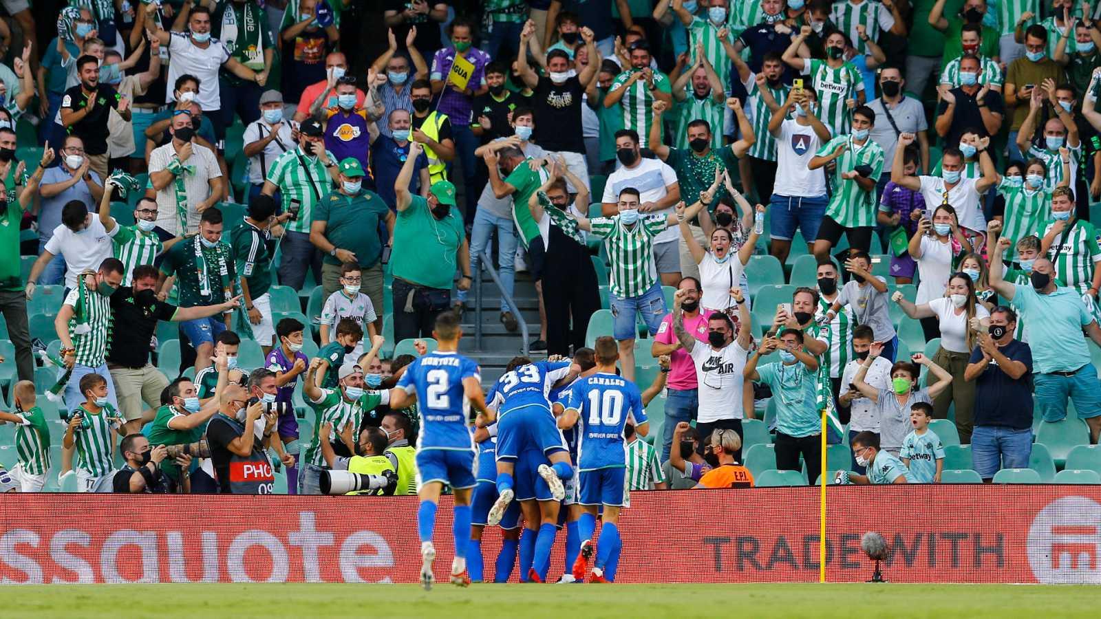 El Betis remonta un 0-2 al Celtic y se lleva un partido vibrante mientras la Real Sociedad empata en Eindhoven