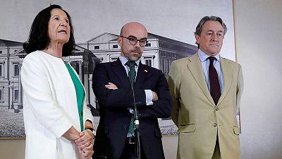Los eurodiputados de VOX Mazaly Aguilar, Jorge Buxadé y Hermann Tertsch.