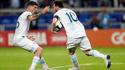 Messi celebra el 1-1 ante Paraguay
