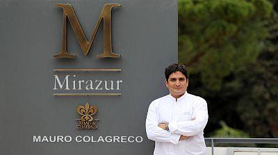 El chef argentino Mauro Colagreco posa ante Mirazur, el restaurante que dirige en la rivera francesa.