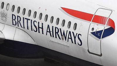Un avión de British Airways en el aeropuerto londinense de Heathrow