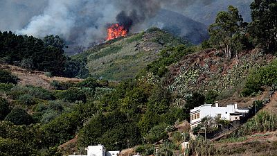 4.000 evacuados por incendio en Canarias