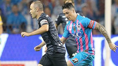 Torres, en el último partido de su carrera, ante el Vissel Kobe de Iniesta.