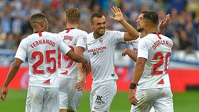 Joan Jordán celebra el gol que puso líder al Sevilla