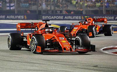 Vettel, por delante de Lecrec en Singapur