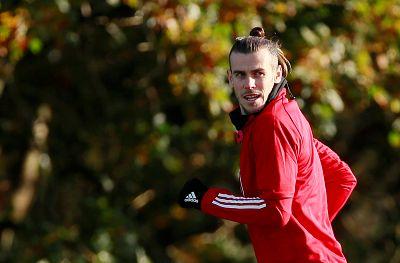Gareth Bale durante un entrenamiento con la selección de Gales.