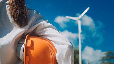 Las mujeres representan solo el 32% del total de los trabajadores del sector energético.