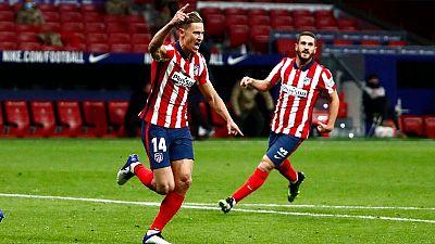Marcos Llorente celebra su gol para el Atlético ante el Valladolid.