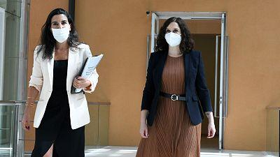 Rocío Monasterio (i) e Isabel Díaz Ayuso en una imagen de archivo