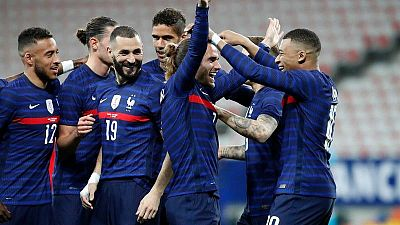 Los jugadores de la selección francesa celebran un gol en el pasado amistoso contra Gales.
