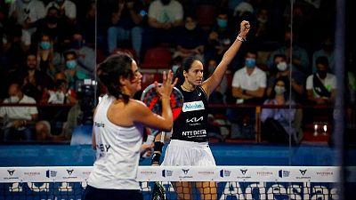 La jugadoras españolas de pádel Gemma Triay y Alejandra Salazar.