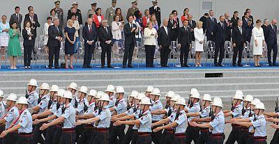 رجال الاطفاء في باريس AFP لودوفيك مارين