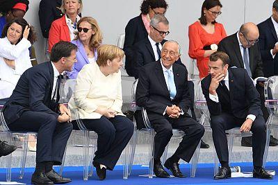 رئيس وزراء هولندا، مارك روتي؛ المستشارة الألمانية، أنجيلا ميركل؛ رئيس البرتغال ، مارسيلو ريبيلو دي سوزا؛ ورئيس فرنسا، إيمانويل ماكرون. AFP ألين جوكارد