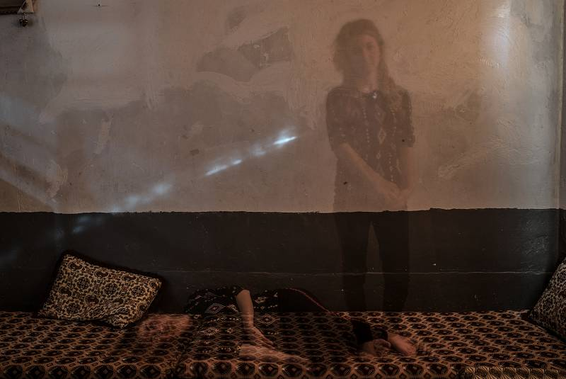 La fotoperiodista Emilienne Malfattoretrata las vidas de los yazidíes que MSF atiende en Sinuni.