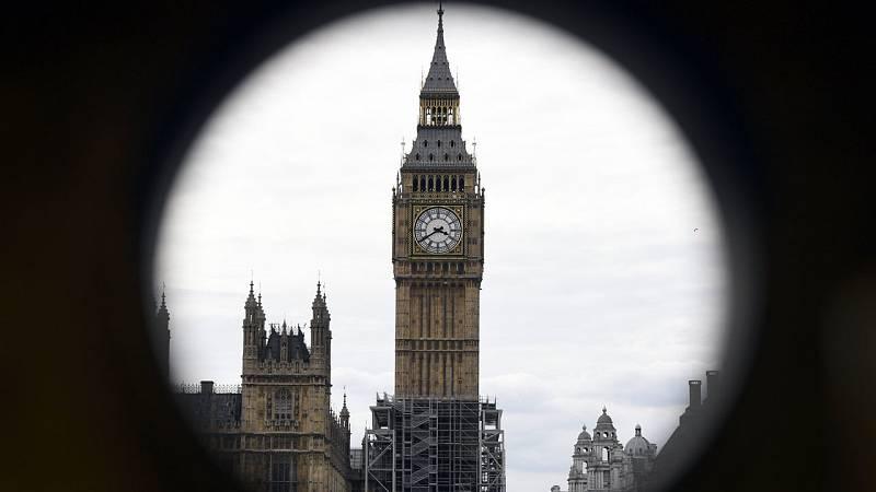 Fotografía de archivo del Big Ben y el Parlamento británico