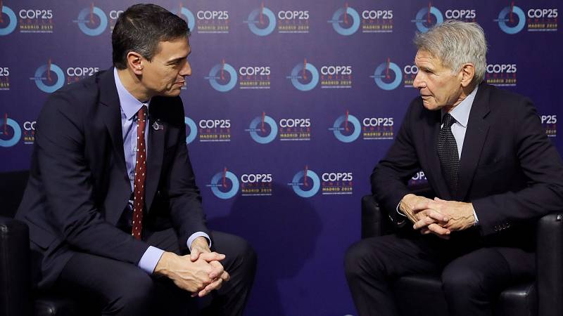 Pedro Sánchez se reúne con Harrison Ford en la Cumbre del Clima de Madrid