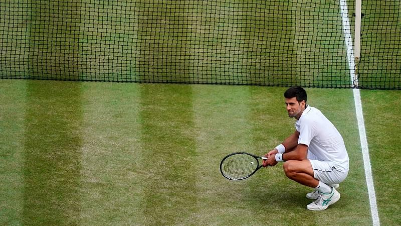 El tenista serbio Novak Djokovic durante el encuentro de Wimbledon que le enfrentaba a Roger Federer