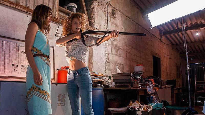 Esther Acebo (con cierto aire a Lisboa de La casa de papel) en 'Antes que perder', película que puedes ver gratis en Playz.