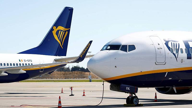 Aviones de Ryanair en la pista del aeropuerto Charleroi de Bruselas
