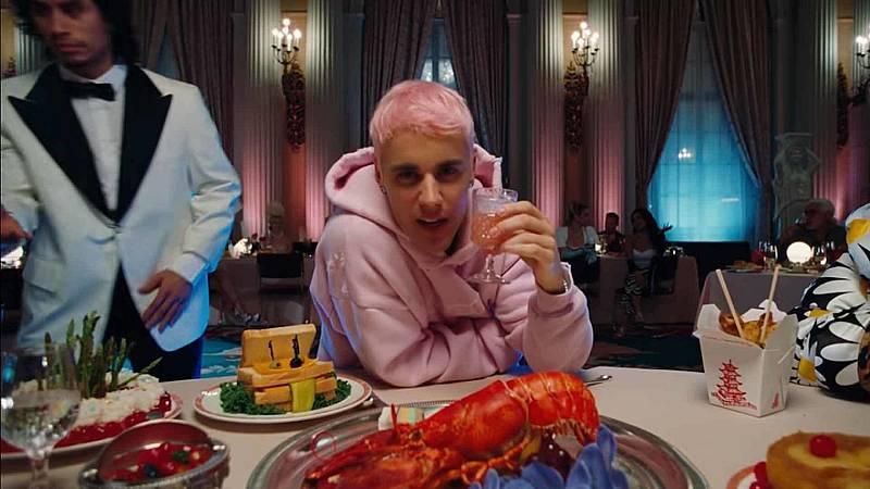 """Imagen del videoclip de """"Yummy"""" de Justin Bieber."""
