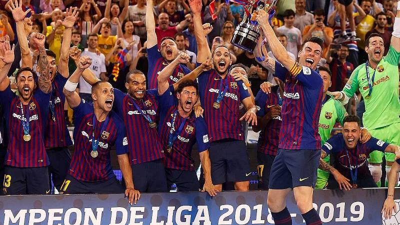 Imagen: El Barça Lassa celebra la Liga de fútbol sala 2018-19