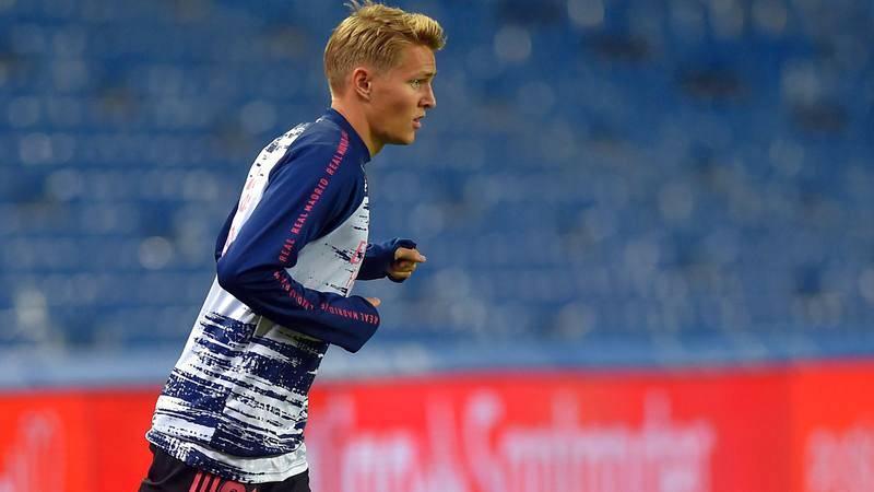 Martin Odegaard, en el calentamiento previo al partido contra la Real.