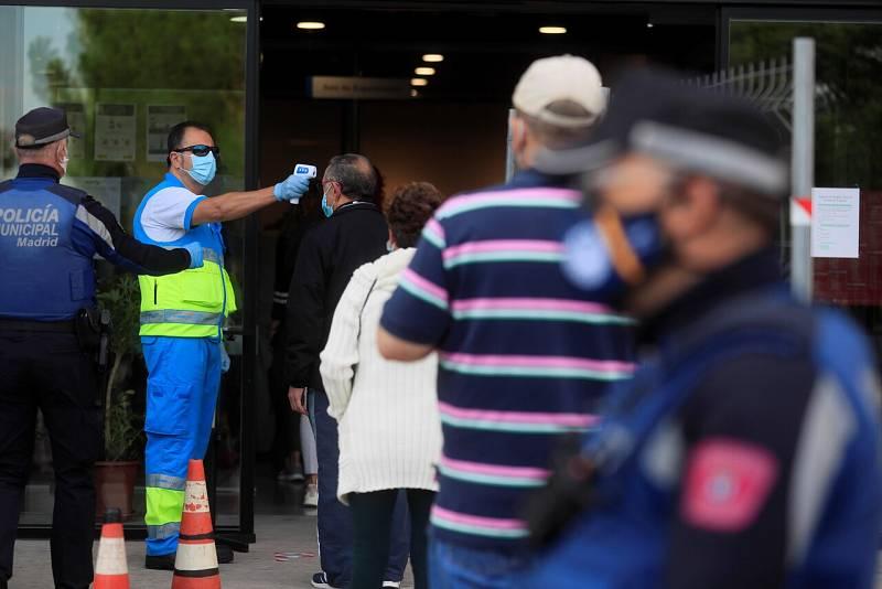 España notifica 182 muertos y 9.419 nuevos casos, un 34% de ellos en Madrid