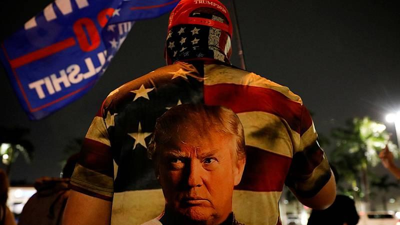 Un seguidor de Trump protesta en Miami (Florida) por el resultado electoral.
