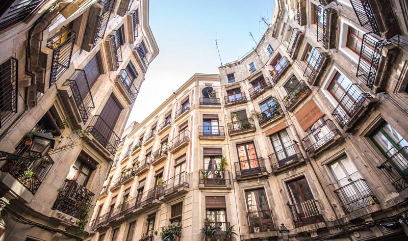 Madrid y Barcelona bajan precios y elevan su oferta de alquiler