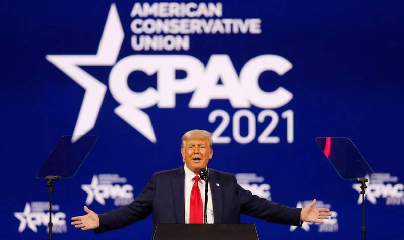 El expresidente de EE.UU. Donald Trump interviene en la Conferencia de Acción Política Conservadora (CPAC) que se celebra en Orlando, Florida