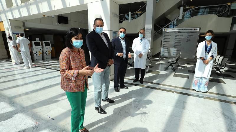 La ministra de Sanidad, Carolina Darias, durante su visita al Hospital Universitario Insular de Gran Canaria.