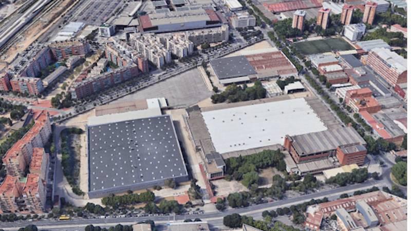 La fàbrica, de 90.641 m² de superfície, ha estat abandonada des de l'any 2007