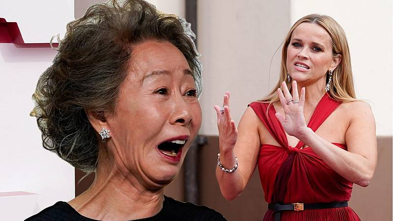 Youn Yuh-Jung y Reese Witherspoon en los Oscars 2021
