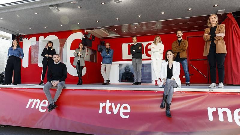 Presentadores de RNE en el renovado EM10