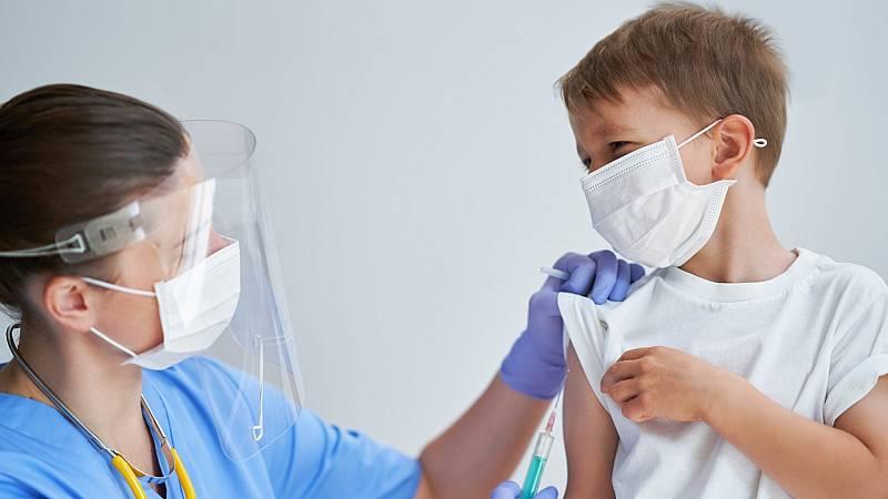 Algunos países como Canadá han comenzado ya a vacunar a sus adolescentes y niños con Pfizer