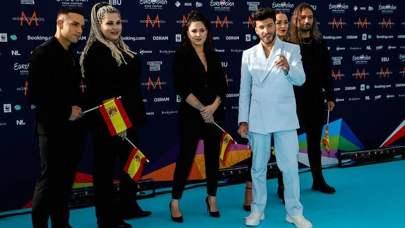 """Blas Cantó deslumbra en la Welcome Party de Eurovisión y hace """"match"""" con la alfombra turquesa"""